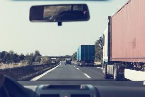 Váci teherfuvarozó cégek elérhetősége